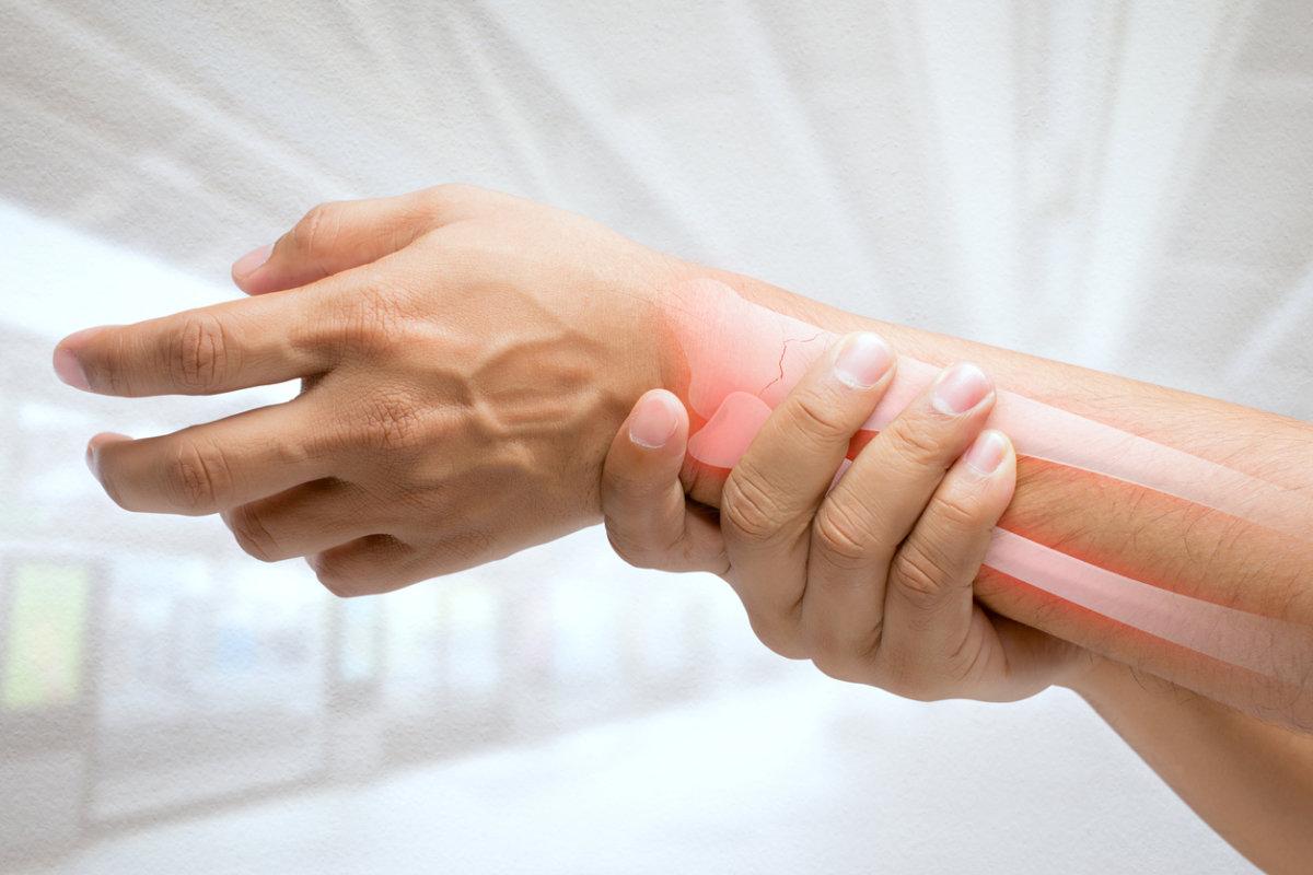 4 modos de tratar a osteoporose fortalecendo os ossos
